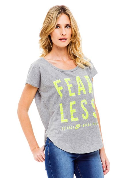 Remera Gris Nike Fearless