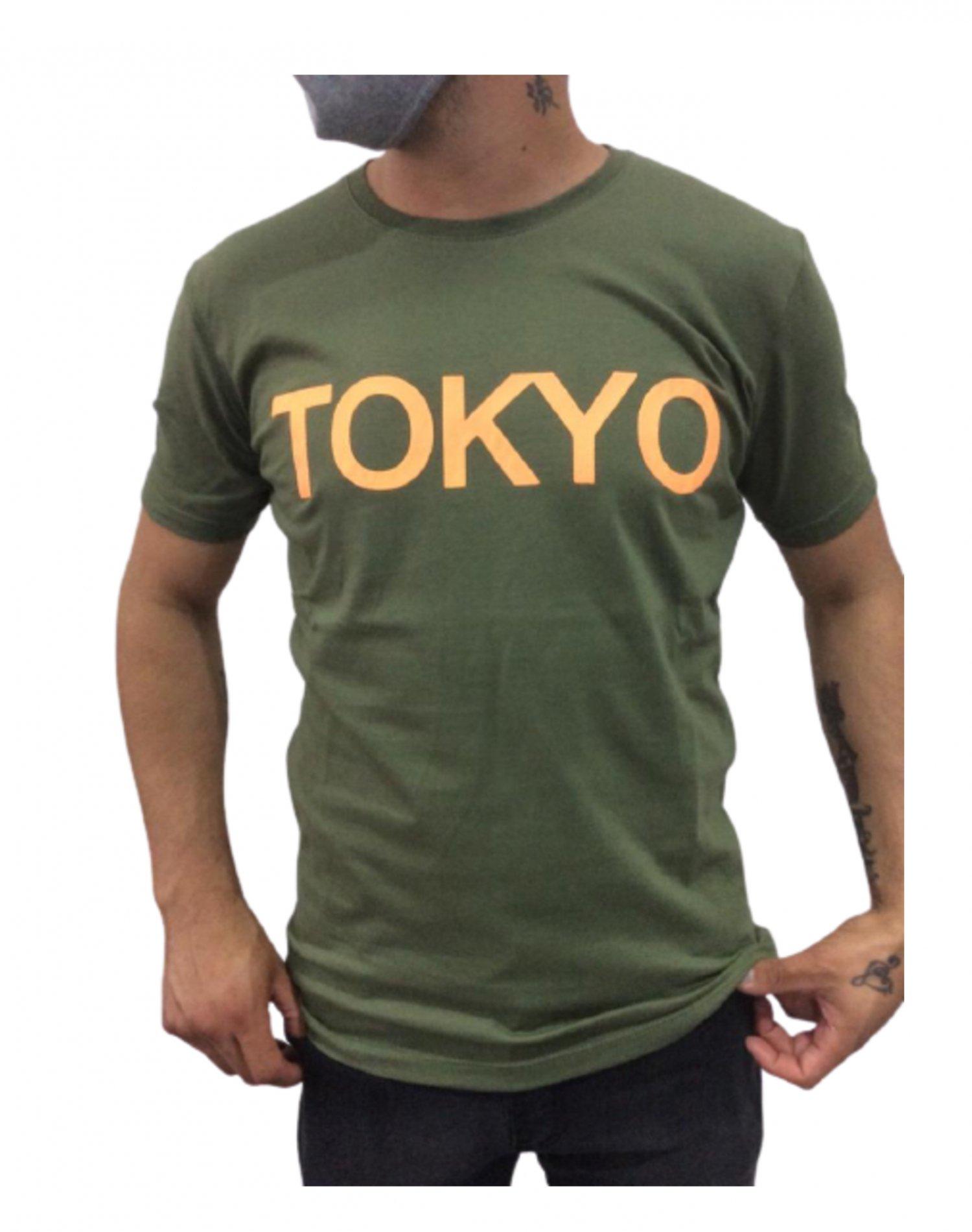 Remera Verde Outside Tokyo TOKYO